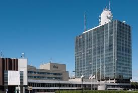 NHKのアナウンサーは年収は民放キー局アナ年収との金額違いは?