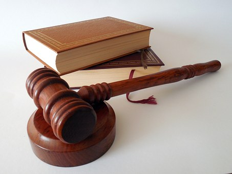 小室圭が受験の米国弁護士の取得方法と難易度と合格率と年収は?
