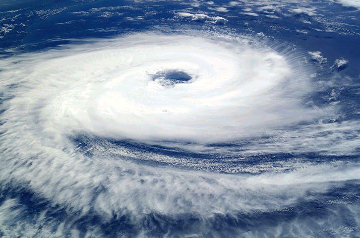 台風19号進路予想と東京上陸時期はいつ?交通機関への影響は?