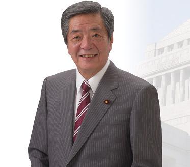 竹下亘議員の経歴や学歴と声が変な理由は何?Daigoとは親戚?